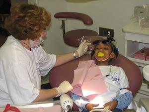Girl_dentist_pic